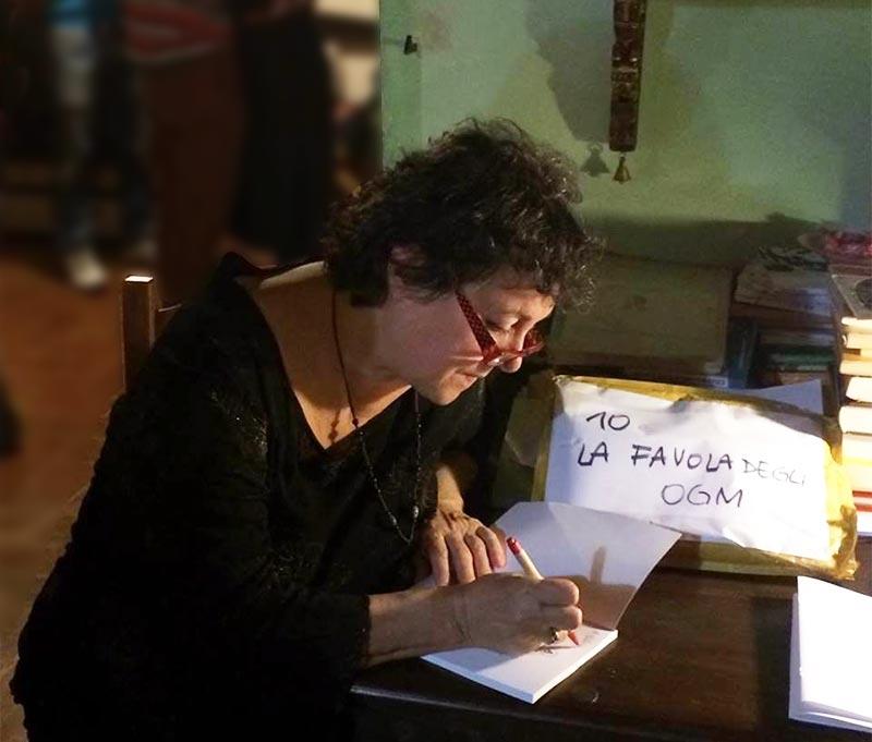 Daniela Conti biologa e autrice esperta OGM